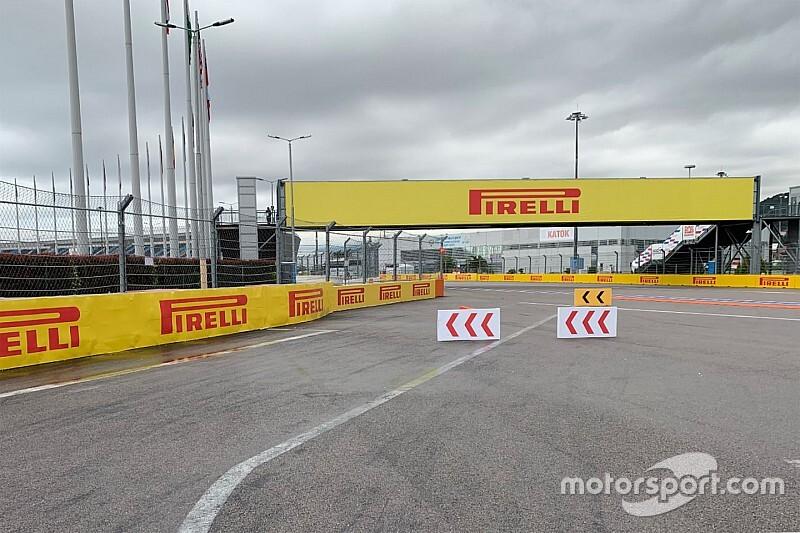 """Az FIA módosította a """"bonyolult"""" kerülgetést a 2-es kanyarban Szocsiban"""