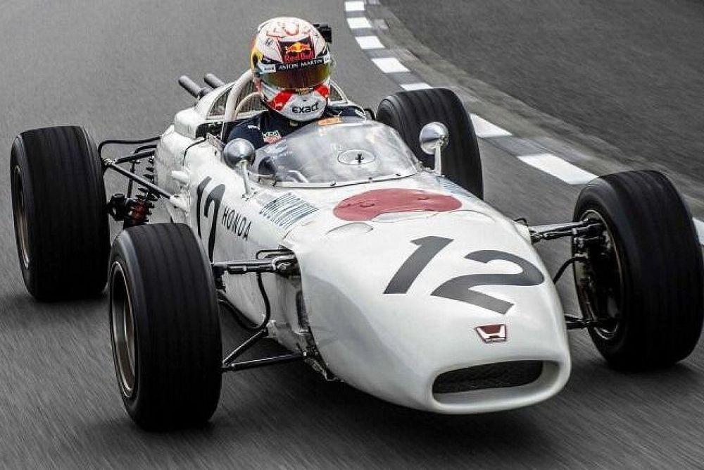 Speciale witte kleurstelling voor Red Bull tijdens Turkse GP