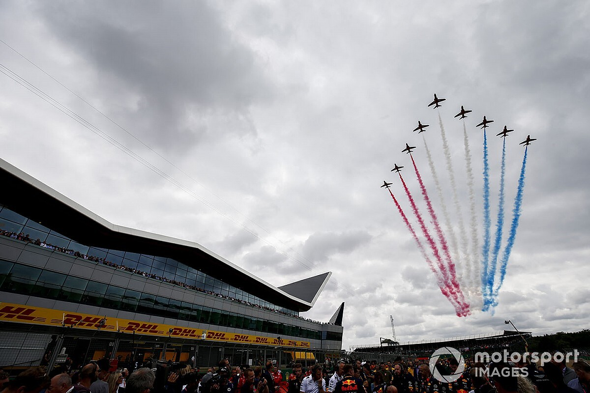 Британское правительство отказалось делать исключение из правил карантина для Формулы 1