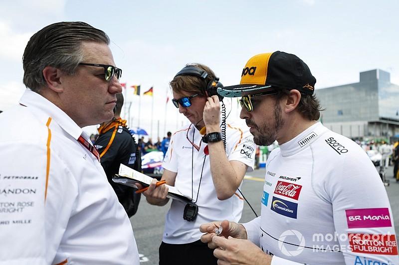 """Brown bevestigt: """"We praten met Alonso over testwerk"""""""