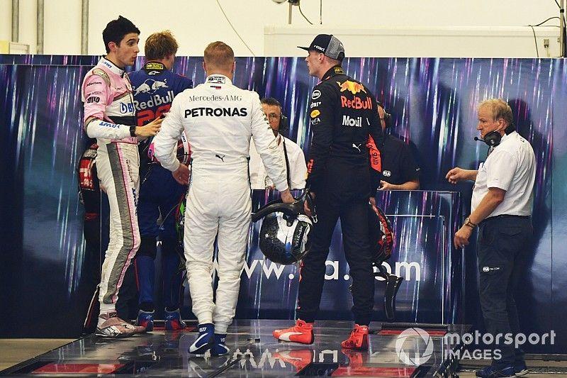 Verstappen krijgt twee dagen taakstraf bij FIA voor duwen Ocon