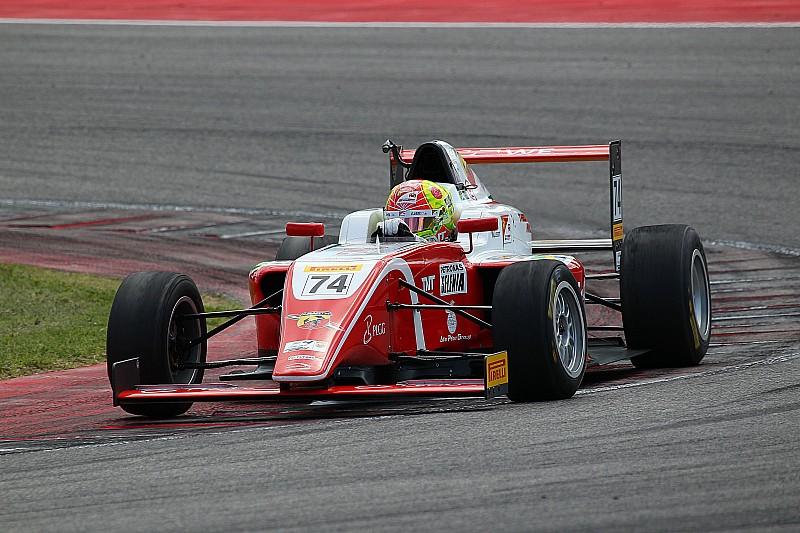 Enzo Fittipaldi domina anche a Misano: la prima manche di gara è sua