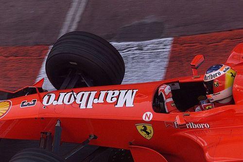 OTD: Michael Schumacher haalt Niki Lauda in bij Ferrari