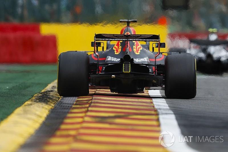 Ricciardo úgy érzi, hátulról meglökték, és ezzel beleszállt Räikkönenbe - a finn újabb peches napja