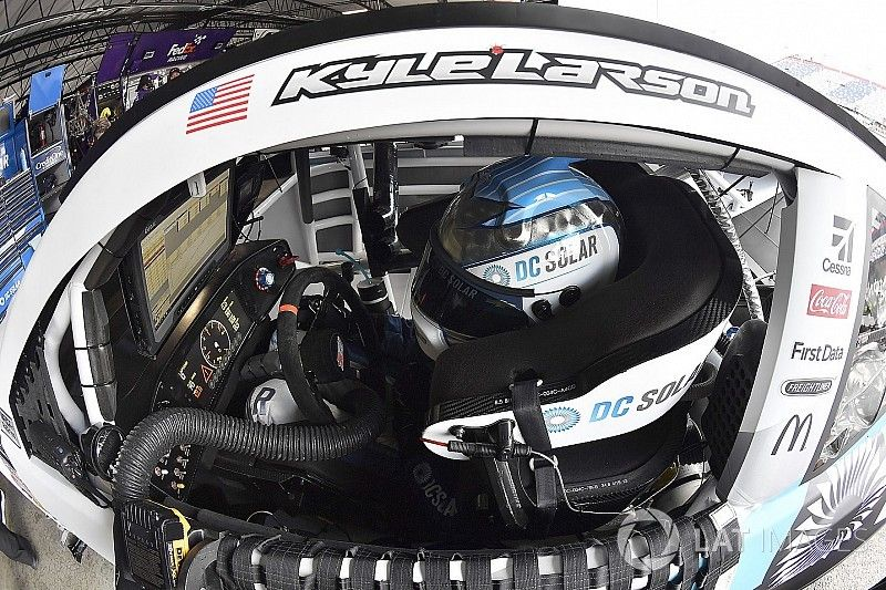 Kyle Larson dominates opening stage of the Southern 500