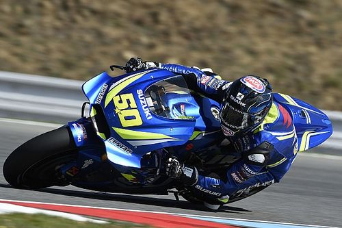 Guintoli riding with two broken ribs at Brno
