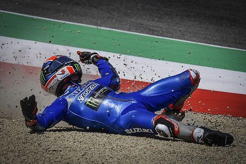 Пилот чемпионской команды MotoGP упал в четырех гонках подряд – и не знает, в чем дело
