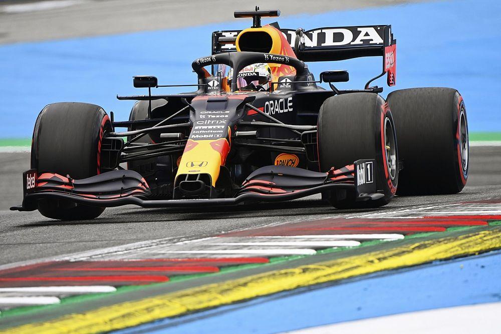 """Verstappen ziet Mercedes een stap maken: """"Zit erg dicht bij elkaar"""""""