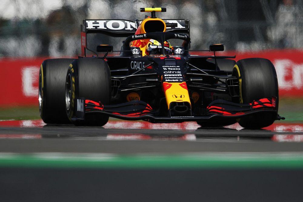 Red Bull серьезно изменила машину Переса. Он стартует с пит-лейна