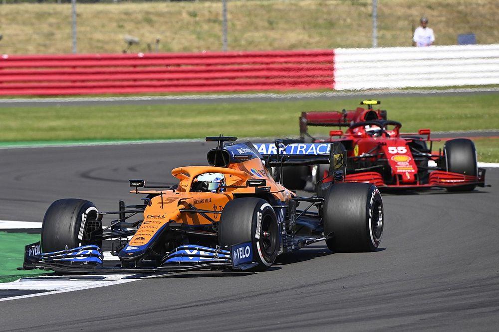ساينز: مكلارين من بين أكثر سيارات الفورمولا واحد التي يصعُب تجاوزها
