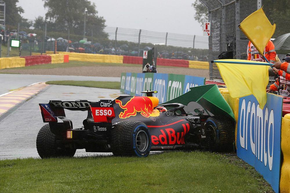 Perez piste çıkış turunda kaza yaptı, yarışa katılamayacak!