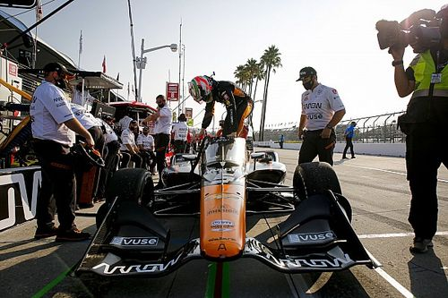 O'Ward taken out of IndyCar title fight early in series finale