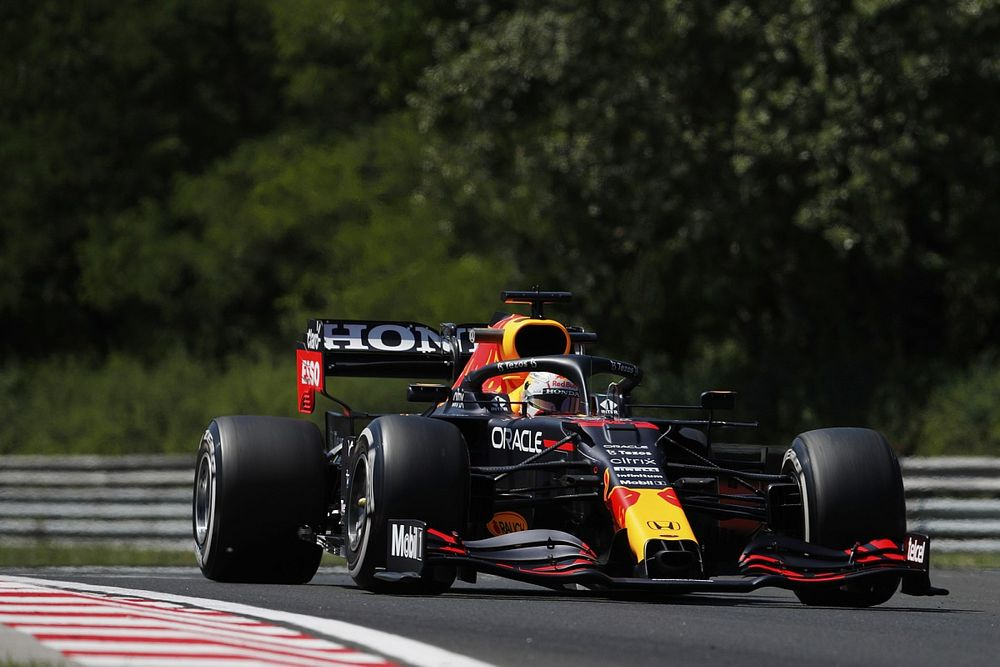 Tertinggal Signifikan dari Mercedes, Red Bull Harus Kerja Keras