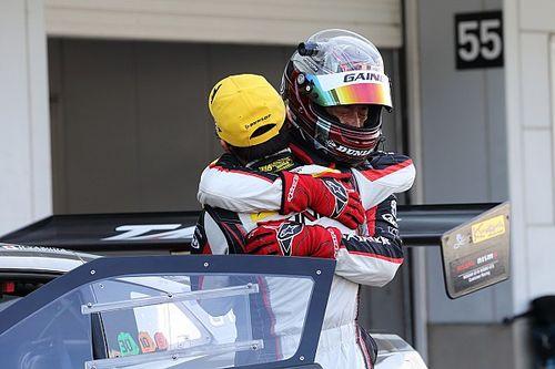 スーパーGT第3戦鈴鹿 |大荒れGT300は11号車ゲイナーGT-Rが今季初優勝