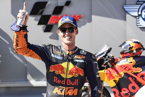 Пол Эспаргаро принес KTM первый поул в MotoGP