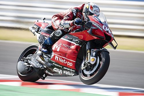 """MotoGP: Dovizioso culpa pneus por falta de performance em Misano e explica aposta por trás de """"desempregado"""" no macacão"""