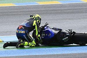 À genoux, Rossi félicite Quartararo pour sa gestion du championnat