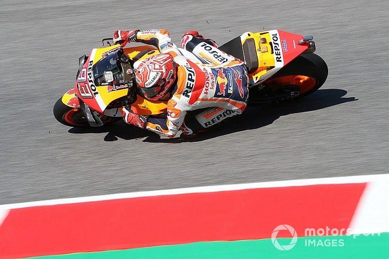 Márquez empieza liderando en Barcelona a rueda de Rossi