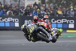 Rossi diz que grande problema da Yamaha é a falta de potência
