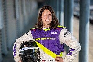 Победа во внезачетной гонке W Series позволила 18-летней канадке узнать вкус шампанского