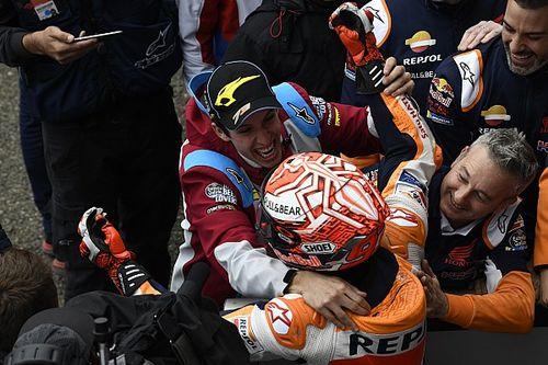 """Crutchlow cree que Alex Márquez """"merece"""" una MotoGP y Lorenzo, """"respeto"""""""