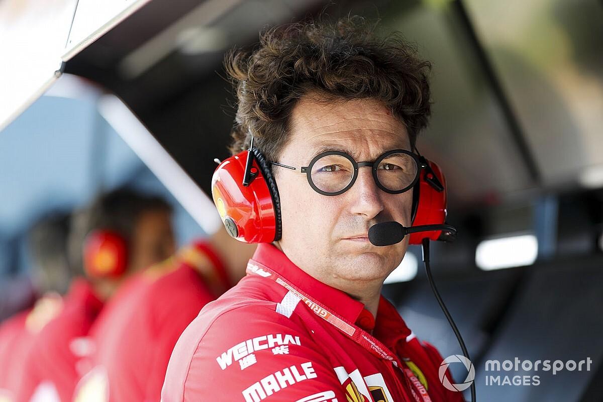 Босс Ferrari объяснил, зачем поменял Феттеля на Сайнса