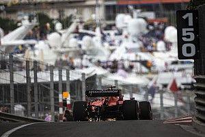 """Vettel Monaco utcáin a """"lassabb"""" Ferrarival"""
