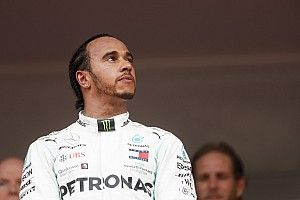 "Hamilton wary of ""squandering"" F1 chances by retiring early"