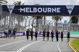 "F1 could have ""raced safely"" in Australia, says Szafnauer"
