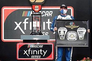 Indiana native Briscoe claims Indy Xfinity win in wild finish