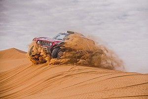 Sainz újabb győzelme a Dakaron, Alonso a 6.: elhunyt egy motoros