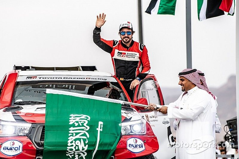 """Alonso """"has pace to find"""" in Saudi Arabian desert rally"""