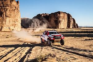 Алонсо начал ралли в Саудовской Аравии с четвертого места