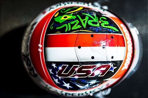 GALERIA: Leclerc faz capacete especial para GPs do Brasil e Estados Unidos