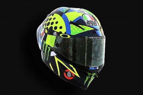 Valentino Rossi con un nuovo casco per i test di Sepang