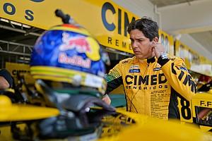"""Cacá corre contra o tempo para estar na Stock: """"Se fosse no fim de semana, eu não estaria no grid"""""""