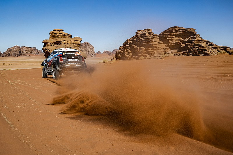 El primer 'cazado' por las cámaras del Dakar