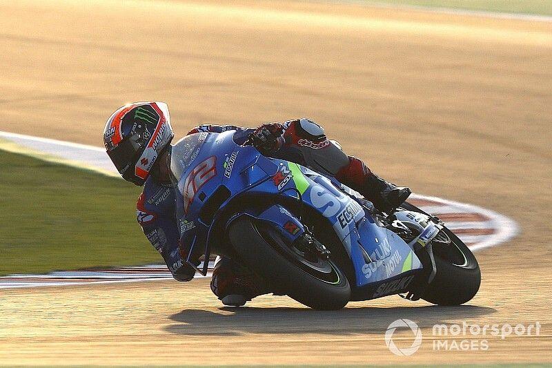 Гонщики Suzuki стали быстрейшими в первый день тестов MotoGP в Катаре