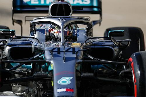 Incident en Q2 : Verstappen et Kvyat taclent Hamilton