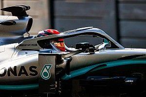 Russell se luce con Mercedes en la mañana del segundo día de test