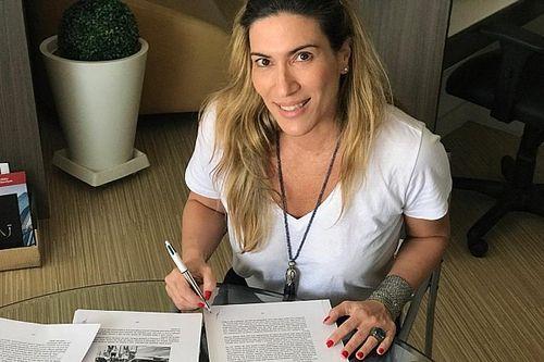 """Ex-namorada de Senna lança livro e revela """"extrema solidão"""" de piloto brasileiro"""