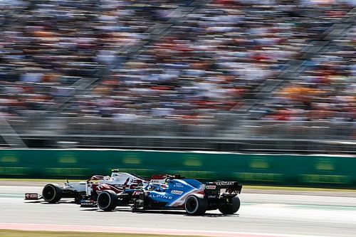 """Alonso: """"F1, kuralları uygulamakta futbol kadar sıkı olmalı"""""""