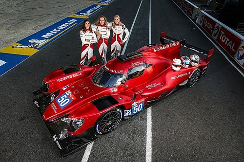 The all-female team mastering a 330km/h Le Mans prototype
