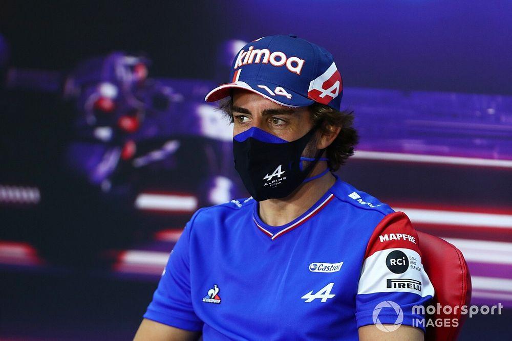 """F1: Alonso ainda """"não está 100%"""" no retorno à categoria"""