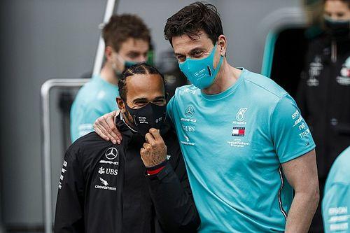 A Wolff no le preocupa que Hamilton deje la F1