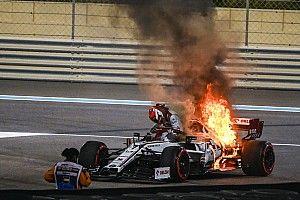 Пожар на машине Райкконена в Абу-Даби: фото и видео