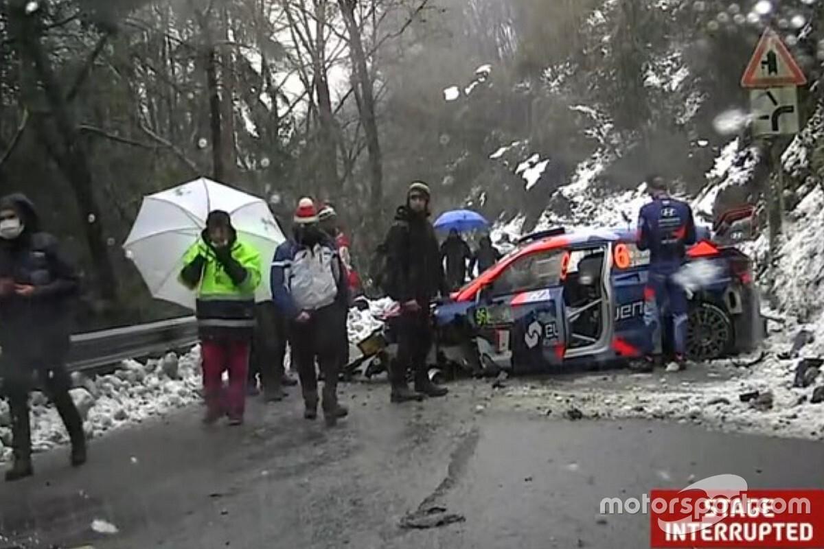 Гонку WRC в Монце остановили после двух серьезных аварий