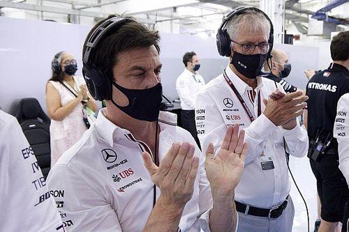 Wolff critica a Brown por opinar de sus pilotos para 2022