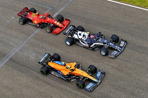 Sainz, Ferrari'nin düzlüklerde McLaren'dan yavaş kaldığını düşünüyor