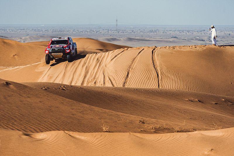 Dakar chief responds to Loeb, Sainz after heavy criticism